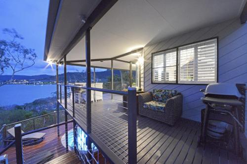 Crusoe's Beach House Ocean Views