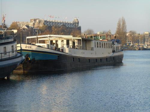Hotelboot Iris