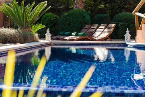 المسبح في Varandas Do Lago Villa أو بالجوار