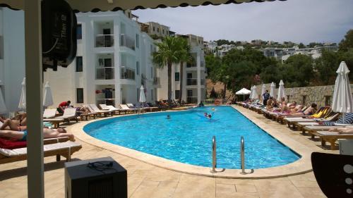 Queen Resort Residence & Suites