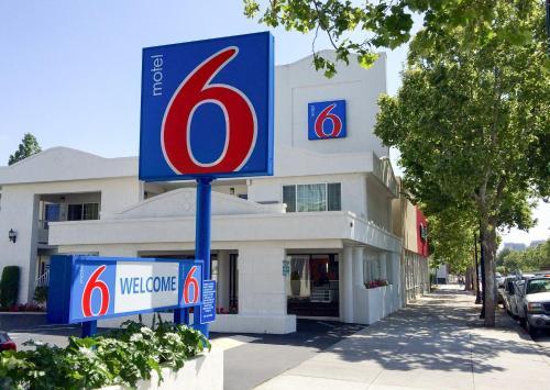 Motel 6 San Jose Convention Center