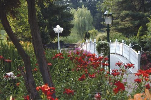 Catlin Gardens Inn Review