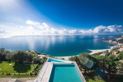 Matrimonio Spiaggia Bergeggi : Booking liguria resort vacanze nella zona