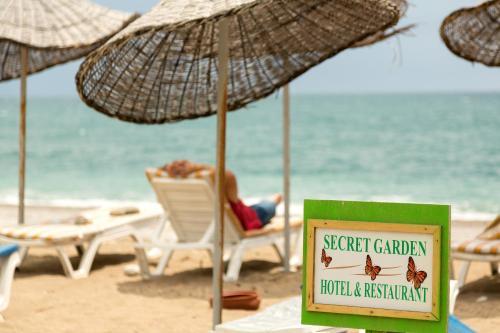 Secret Garden Hotel & Bungalows