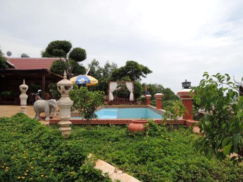 Le Phnom View Motel
