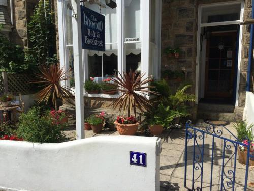 The Lynwood Guesthouse - Adults Only