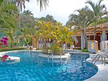 Mexico villa corona del mar hotel and bungalows travel for Bungalows dentro del mar