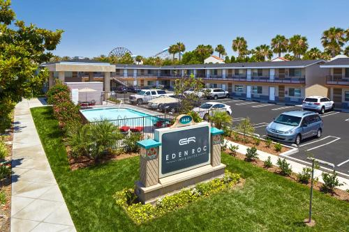 Eden Roc Inn & Suites near the Maingate