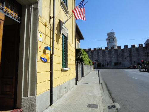 Hostel Pisa Tower