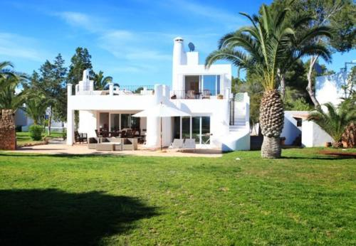 Five-Bedroom Holiday Home in Santa Eulalia del Río with Terrace
