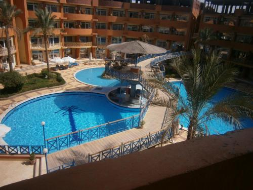 Oasis Resort & Apartment