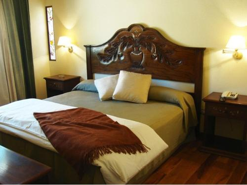 Marqués De Tojo Hotel