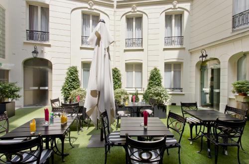 Elysees Apartments