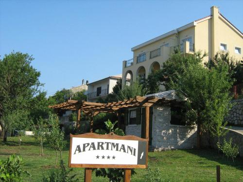 Apartments Laura