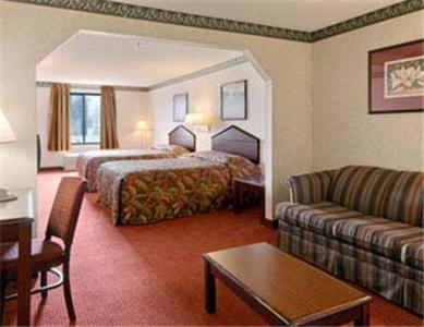 Travelodge Suites Savannah Pooler Review