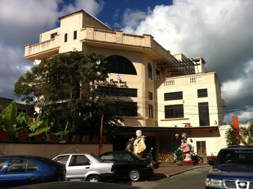 Flora Bay Appart-Hotel