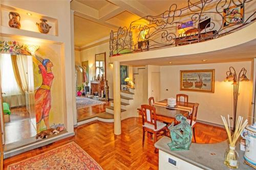 Two-Bedroom Holiday home with Balcony in Florence