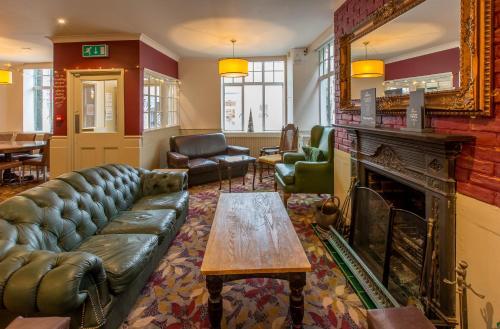 Barley Sheaf Inn