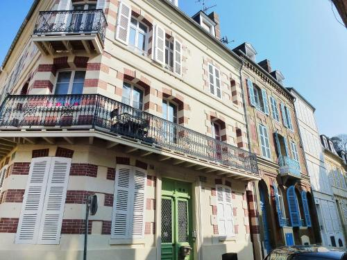 Holiday Home TROUVILLE SUR MER 4308