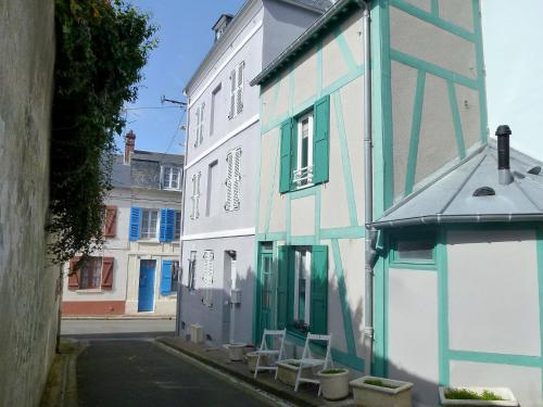 Holiday Home TROUVILLE SUR MER 4088