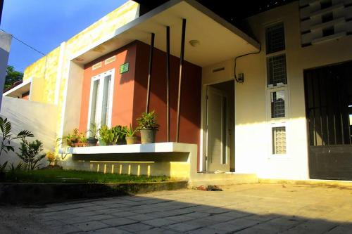 DnD Guest House