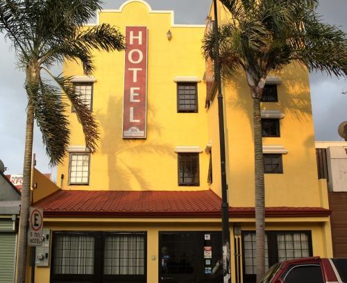 Hotel The Palm House Inn