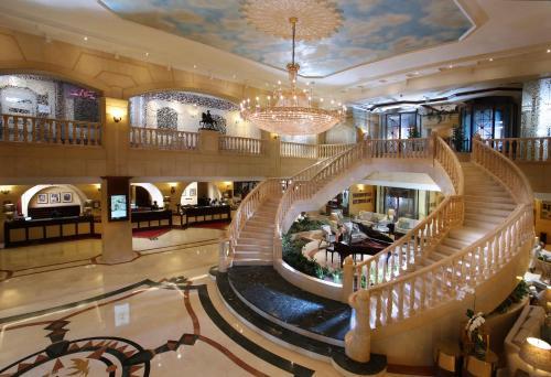 Carlton Palace Hotel (Formerly Metropolitan Palace)