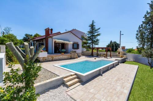 Holiday Home Mestrovic