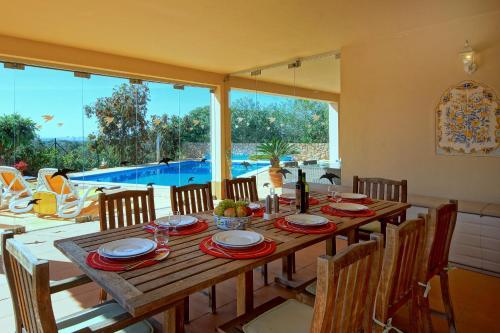 مطعم أو مكان آخر لتناول الطعام في Casa Alha