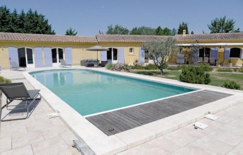 Holiday home Route de St-Martin-de-Crau M-829