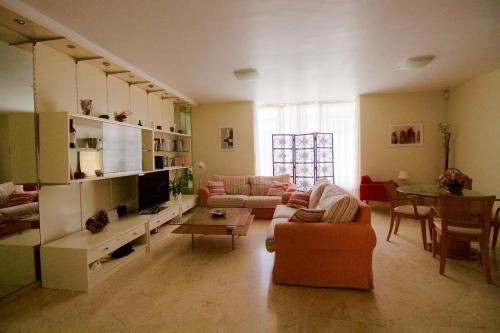 Marianela House