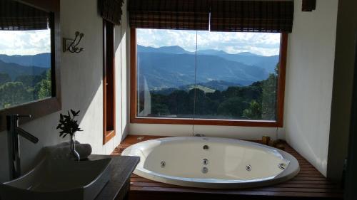 Um banheiro em Pico da Montanha