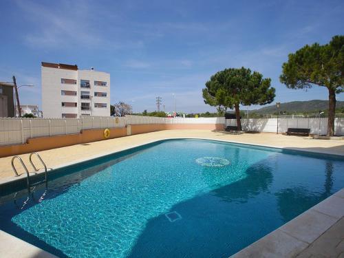 Hoteles en el vendrell con piscina for Hoteles en salou con piscina