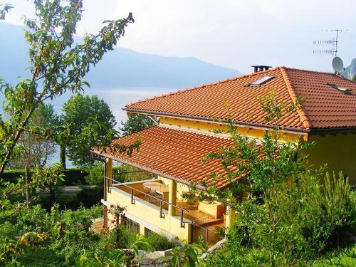 Apartment Rocca Castelveccana