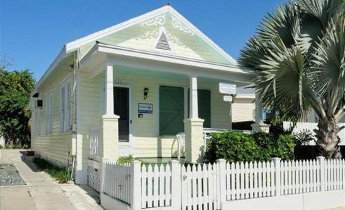 531 Olivia Street House 529