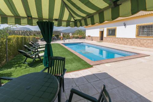 Villas en alquiler en priego de c rdoba for Hotel con piscina en cordoba