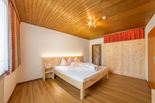 Alta pusteria italia hotel con wifi - Residence a san candido con piscina ...