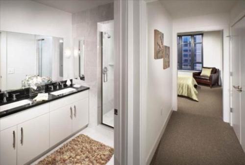 Bridgestreet at 425 Mass Apartment