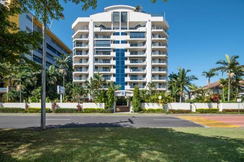 Cairns Penthouse