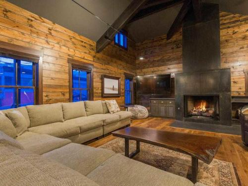 Abode at Big Moose Yacht Club Villa