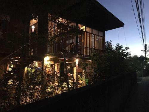 Kaampuju Cafe and Rooms