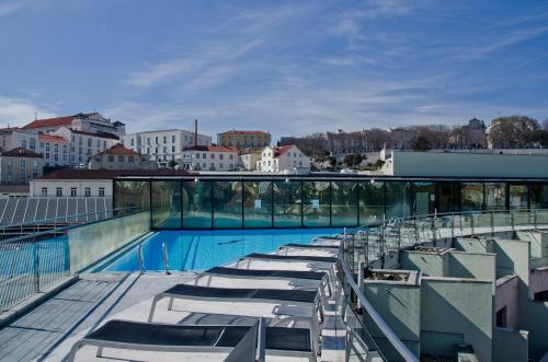 Vip executive eden aparthotel lisbon portugal for Lisbon boutique hotel swimming pool