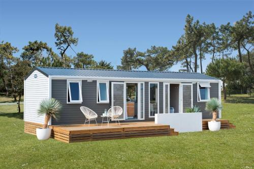 Camping De Zeehoeve Luxe chalet (2 badkamers)