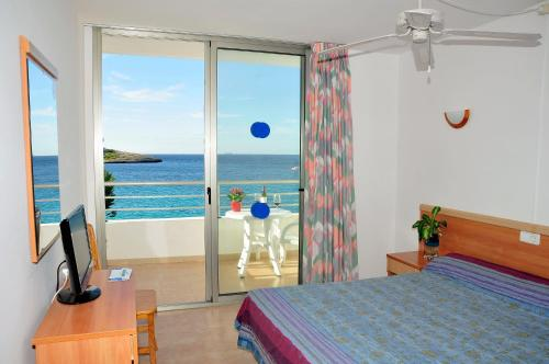 S'Arenal Apartments