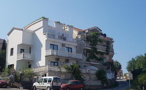Apartments Semitimes