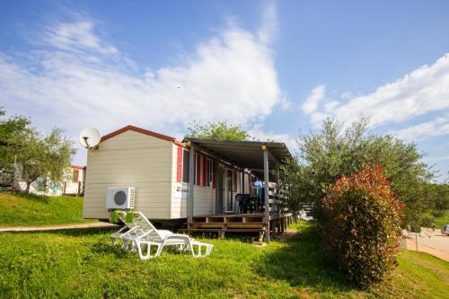 Parque turístico Easyatent Mobile Home Bijela Uvala (Croácia Poreč) - Booking.com