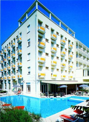hotel ariston italia milano marittima