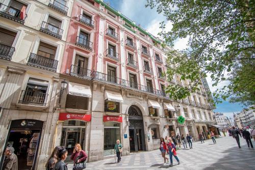 Os 10 melhores hot is 3 estrelas em madri espanha for Puerta 8 bernabeu