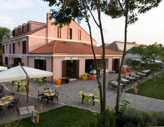 Venezia Boat & Breakfast Caicco Freedom Venice - Hotel ...