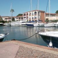 Golfe St Tropez 4 couchages piscine